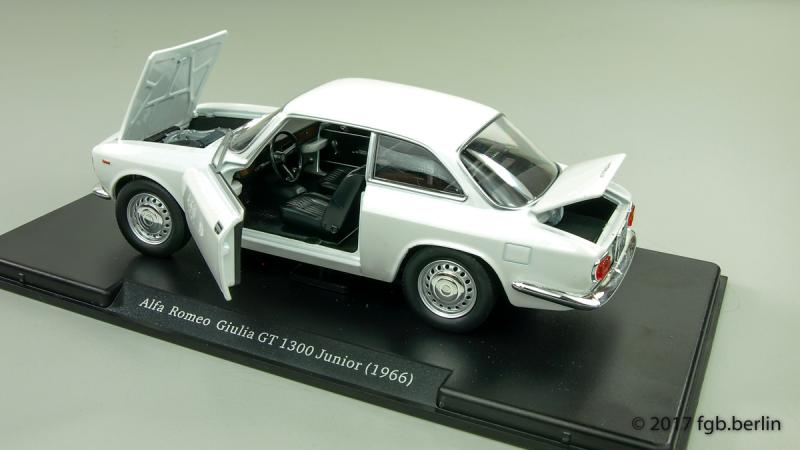 Magazine Models Alfa Romeo Giulia GT 1300 Junior
